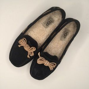 UGG driving shoes. Size 6.